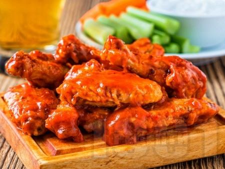 Пържени пилешки крилца със сос Бъфало - снимка на рецептата